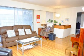 Photo 2: 2633 E 48TH Avenue in Vancouver: Killarney VE House for sale (Vancouver East)  : MLS®# R2131714