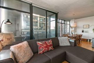 """Photo 4: 803 128 W CORDOVA Street in Vancouver: Downtown VW Condo for sale in """"WOODWARDS W43"""" (Vancouver West)  : MLS®# R2241482"""