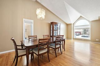 Photo 3: 312 Hawkstone Close NW in Calgary: Hawkwood Detached for sale : MLS®# A1084235
