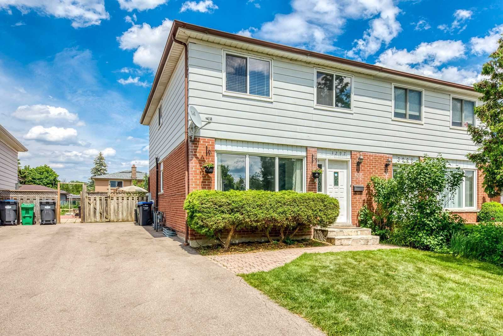 Main Photo: 3297 Grechen Road in Mississauga: Erindale House (2-Storey) for sale : MLS®# W4807876