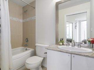 """Photo 17: 1705 1211 MELVILLE Street in Vancouver: Coal Harbour Condo for sale in """"THE RITZ"""" (Vancouver West)  : MLS®# R2173539"""