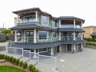 """Photo 4: 15765 PACIFIC Avenue: White Rock House for sale in """"White Rock"""" (South Surrey White Rock)  : MLS®# R2582579"""