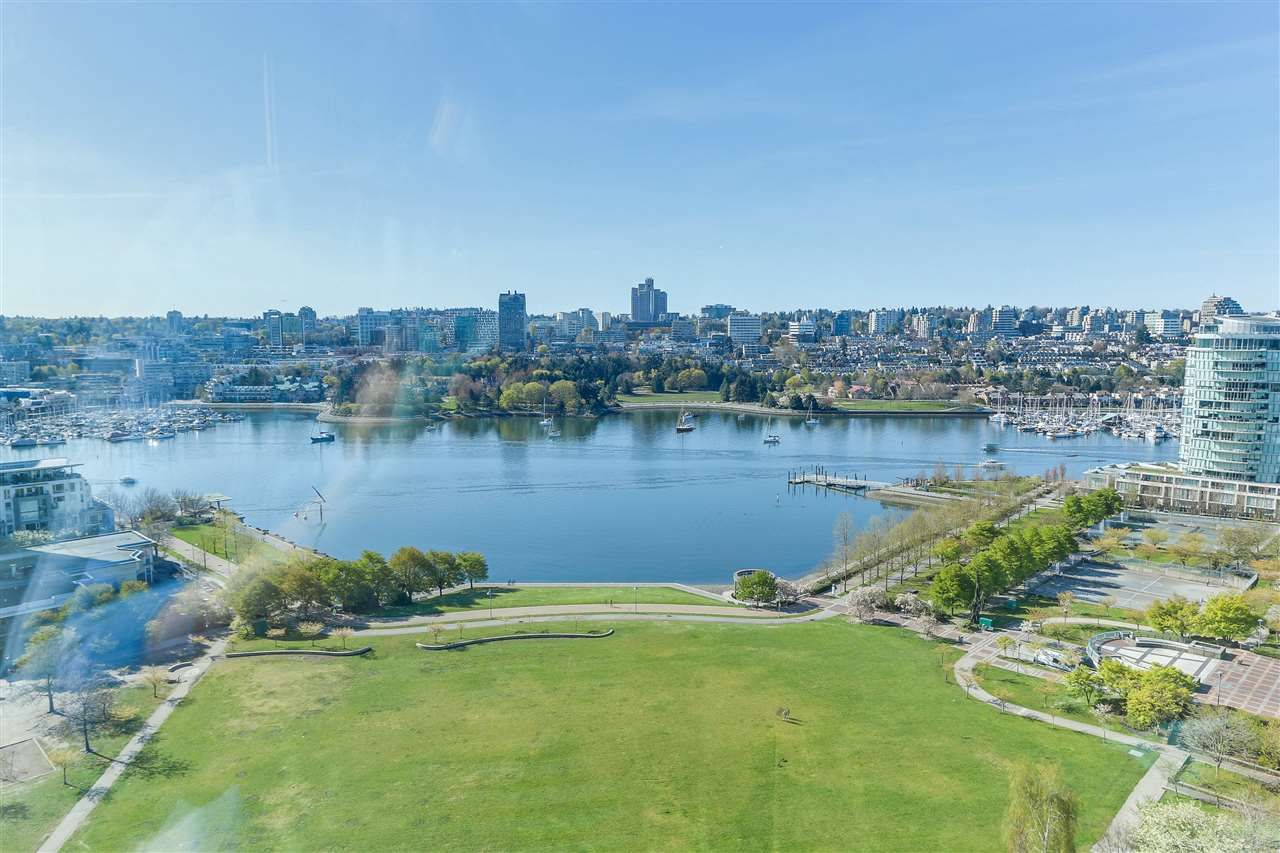"""Main Photo: 2205 388 DRAKE Street in Vancouver: Yaletown Condo for sale in """"GOVERNOR'S TOWNER"""" (Vancouver West)  : MLS®# R2276947"""