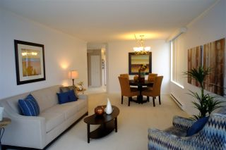 """Photo 2: 404 2189 W 42ND Avenue in Vancouver: Kerrisdale Condo for sale in """"Governor Point"""" (Vancouver West)  : MLS®# R2112248"""
