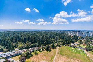 """Photo 7: 3906 5883 BARKER Avenue in Burnaby: Metrotown Condo for sale in """"ALDYNE ON THE PARK"""" (Burnaby South)  : MLS®# R2579935"""