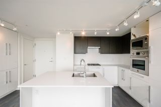 """Photo 6: 1705 188 AGNES Street in New Westminster: Downtown NW Condo for sale in """"THE ELLIOT"""" : MLS®# R2181152"""