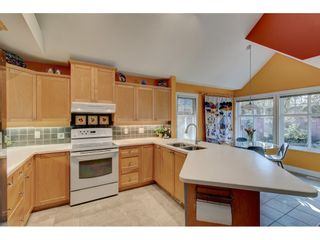 Photo 14: 101 15500 Rosemary Heights Crescent in South Surrey: Morgan Creek House for sale