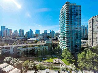 """Photo 3: 1602 1009 EXPO Boulevard in Vancouver: Yaletown Condo for sale in """"Landmark 33"""" (Vancouver West)  : MLS®# R2593362"""
