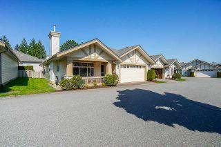 "Photo 2: 21 8555 209 Street in Langley: Walnut Grove Townhouse for sale in ""Walnut Grove"" : MLS®# R2374544"