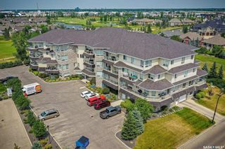 Photo 1: 310 405 Cartwright Street in Saskatoon: The Willows Residential for sale : MLS®# SK863649