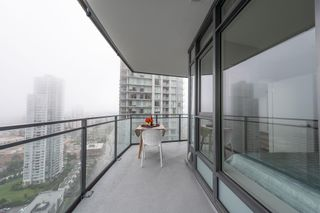 """Photo 11: 3003 4900 LENNOX Lane in Burnaby: Metrotown Condo for sale in """"THE PARK METROTOWN"""" (Burnaby South)  : MLS®# R2418432"""