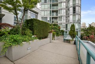 """Photo 34: 3F 1067 MARINASIDE Crescent in Vancouver: Yaletown Townhouse for sale in """"Quaywest"""" (Vancouver West)  : MLS®# R2620877"""