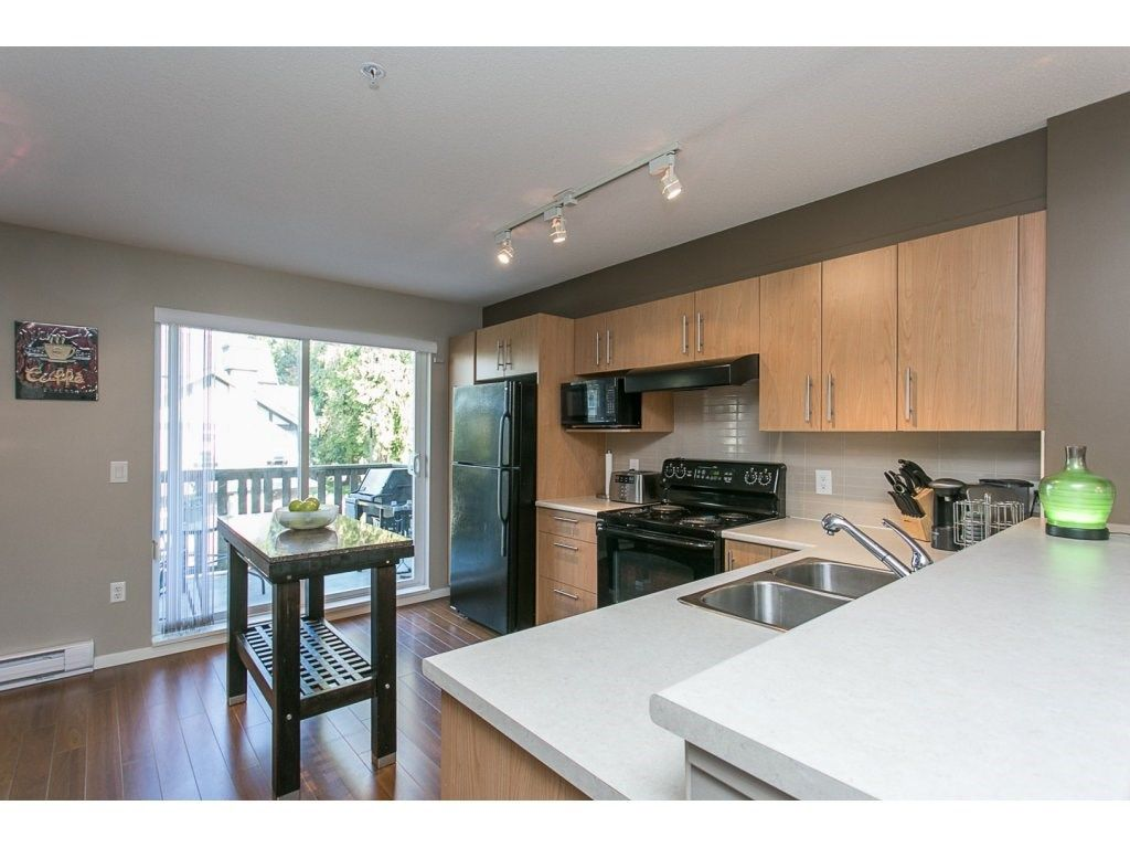 "Photo 9: Photos: 21 20875 80 Avenue in Langley: Willoughby Heights Townhouse for sale in ""Pepperwood"" : MLS®# R2113758"
