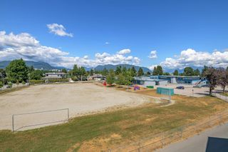 """Photo 24: 305 2285 PITT RIVER Road in Port Coquitlam: Central Pt Coquitlam Condo for sale in """"SHAUGHNESSY MANOR"""" : MLS®# R2604746"""