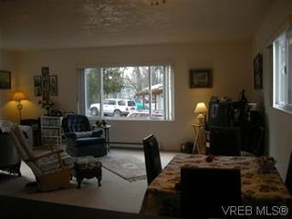 Photo 3: 25 1215 Craigflower Rd in VICTORIA: VR Glentana Manufactured Home for sale (View Royal)  : MLS®# 565978