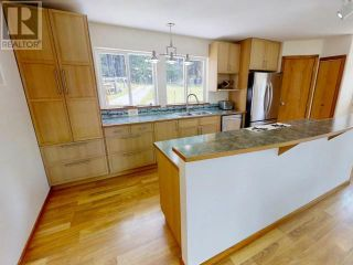 Photo 5: 5956 CENTRAL ROAD in Texada Island: House for sale : MLS®# 15926