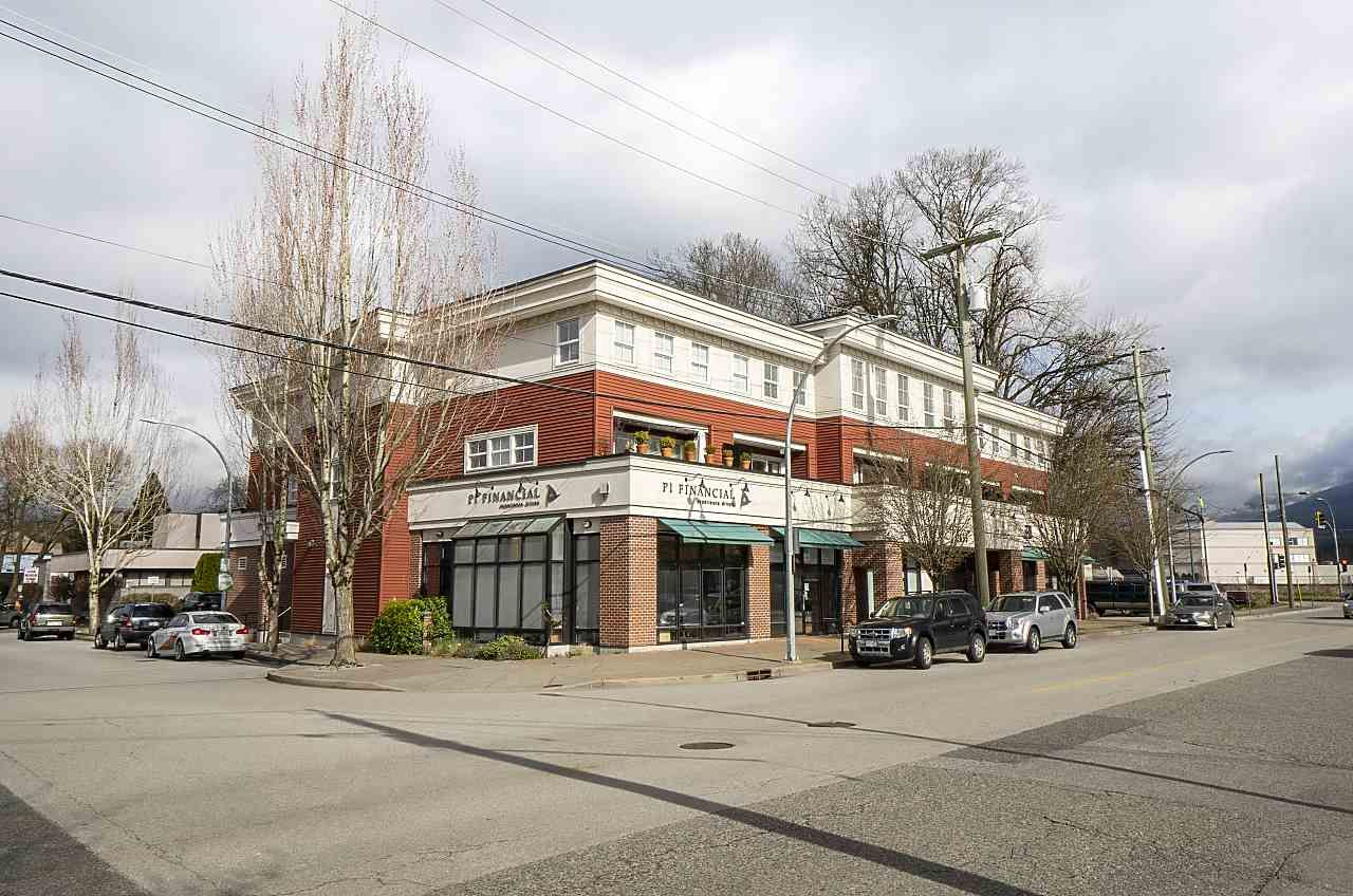 """Main Photo: #209 2655 MARY HILL Road in Port Coquitlam: Central Pt Coquitlam Condo for sale in """"Falcon Court"""" : MLS®# R2557522"""
