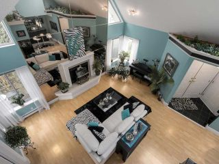 """Photo 4: 13 9785 152B Street in Surrey: Guildford Townhouse for sale in """"Turnberry Place"""" (North Surrey)  : MLS®# R2125112"""