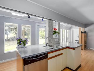 Photo 9: 5730 CRANLEY Drive in West Vancouver: Eagle Harbour House for sale : MLS®# R2293424