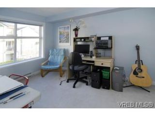 Photo 7: 301 1580 Christmas Ave in VICTORIA: SE Mt Tolmie Condo for sale (Saanich East)  : MLS®# 489978