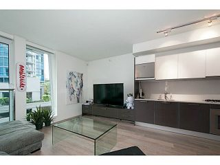 Photo 6: 407 1477 PENDER Street W in Vancouver West: Coal Harbour Home for sale ()  : MLS®# V1130945