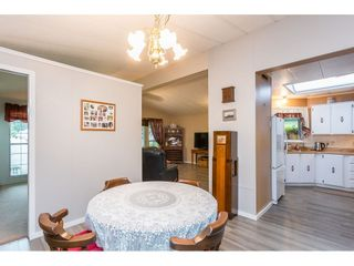 """Photo 5: 74 9080 198 Street in Langley: Walnut Grove Manufactured Home for sale in """"Forest Green Estates"""" : MLS®# R2457126"""