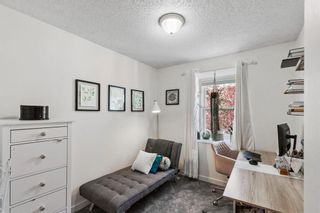 Photo 17: 102 4810 40 Avenue SW in Calgary: Glamorgan Row/Townhouse for sale : MLS®# A1136264