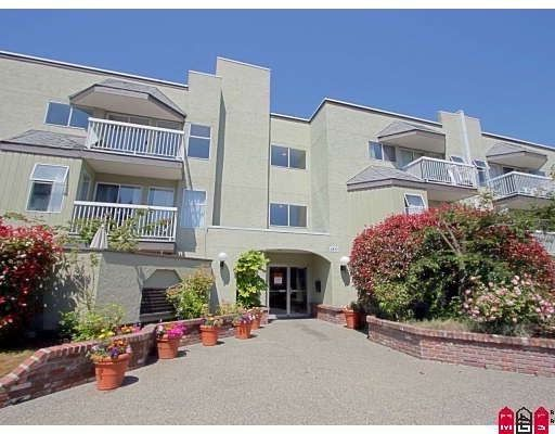 """Main Photo: 109 1850 E SOUTHMERE Crescent in Surrey: Sunnyside Park Surrey Condo for sale in """"Southmere Place"""" (South Surrey White Rock)  : MLS®# F1002361"""