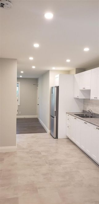 Photo 5: Apt 5 22 S Peter Street in Mississauga: Port Credit House (Apartment) for lease : MLS®# W5355230