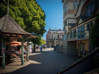 Photo 32: 102 1007 Caledonia Ave in : Vi Central Park Condo for sale (Victoria)  : MLS®# 885671