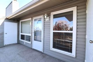 Photo 2: 9281 172 Street in Edmonton: Zone 20 Carriage for sale : MLS®# E4222602