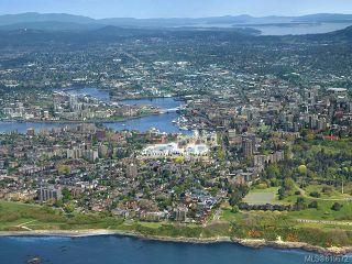 Photo 3: 303 550 Michigan St in Victoria: Vi James Bay Condo for sale : MLS®# 819672