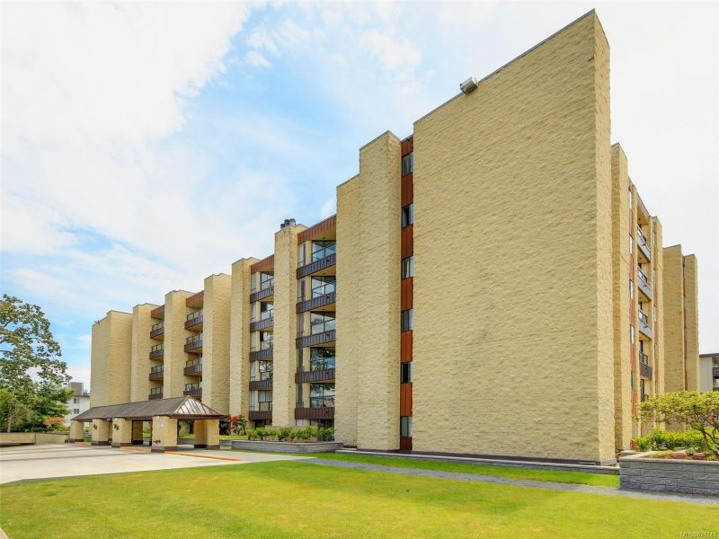 FEATURED LISTING: 302 - 1745 Leighton Rd