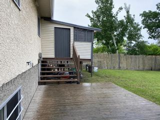 Photo 2: 68 Applewood Drive SE in Calgary: Applewood Park Detached for sale : MLS®# A1118968