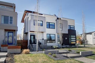 Photo 2: 2337 3 Avenue NW in Calgary: West Hillhurst Semi Detached for sale : MLS®# A1107014