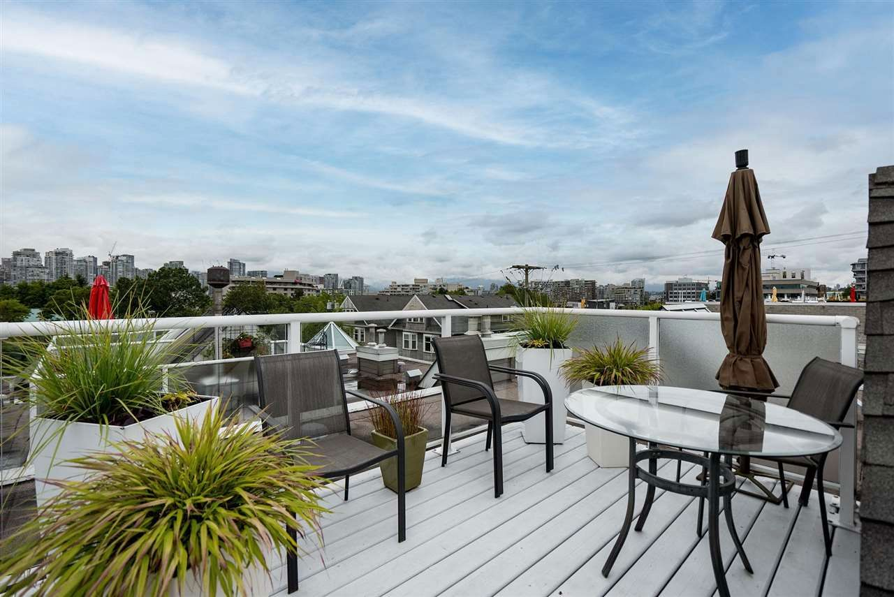 Main Photo: 2251 HEATHER STREET in Vancouver: Fairview VW Townhouse for sale (Vancouver West)  : MLS®# R2593764