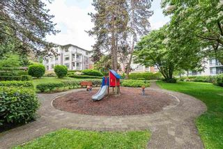 """Photo 13: 2403 4625 VALLEY Drive in Vancouver: Quilchena Condo for sale in """"ALEXANDRA HOUSE"""" (Vancouver West)  : MLS®# R2419187"""