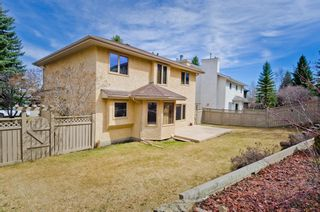 Photo 2: 40 Sienna Hills Court SW in Calgary: Signal Hill Detached for sale : MLS®# A1062171