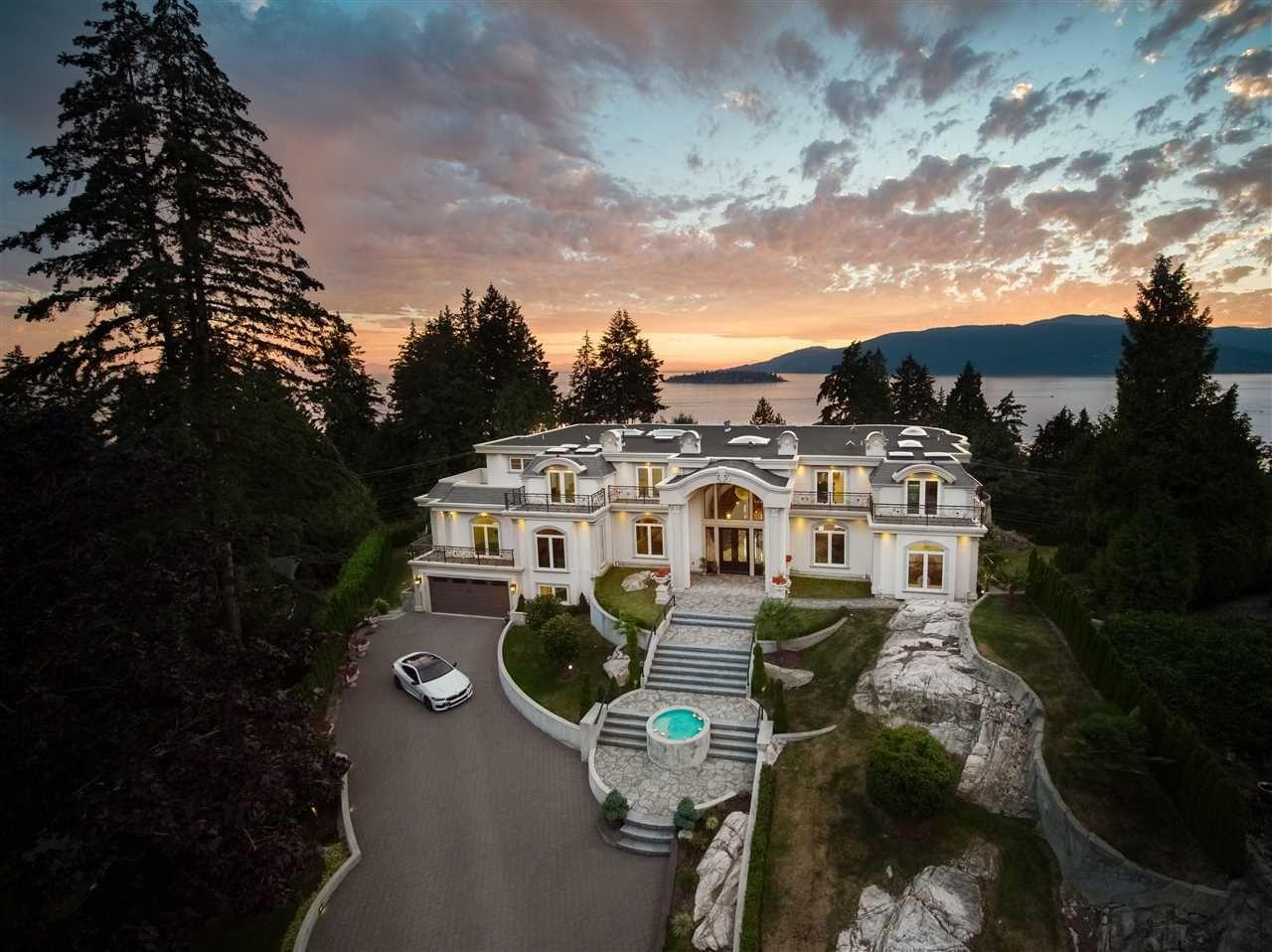 Main Photo: 5358 KENSINGTON Crescent in West Vancouver: Caulfeild House for sale : MLS®# R2608024