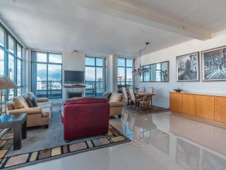 """Photo 10: 2101 1 RENAISSANCE Square in New Westminster: Quay Condo for sale in """"The Q"""" : MLS®# R2594714"""