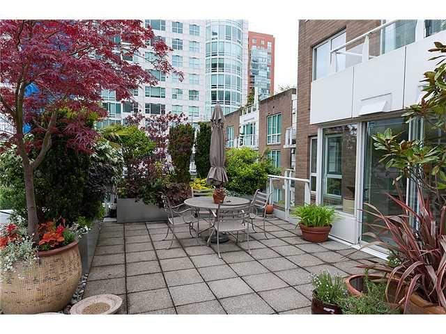 "Main Photo: # 516 888 BEACH AV in Vancouver: Yaletown Condo for sale in ""888 BEACH"" (Vancouver West)  : MLS®# V953540"