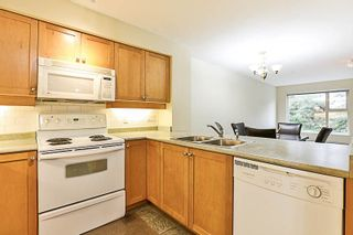 """Photo 6: 210 808 SANGSTER Place in New Westminster: The Heights NW Condo for sale in """"THE BROCKTON"""" : MLS®# R2213078"""