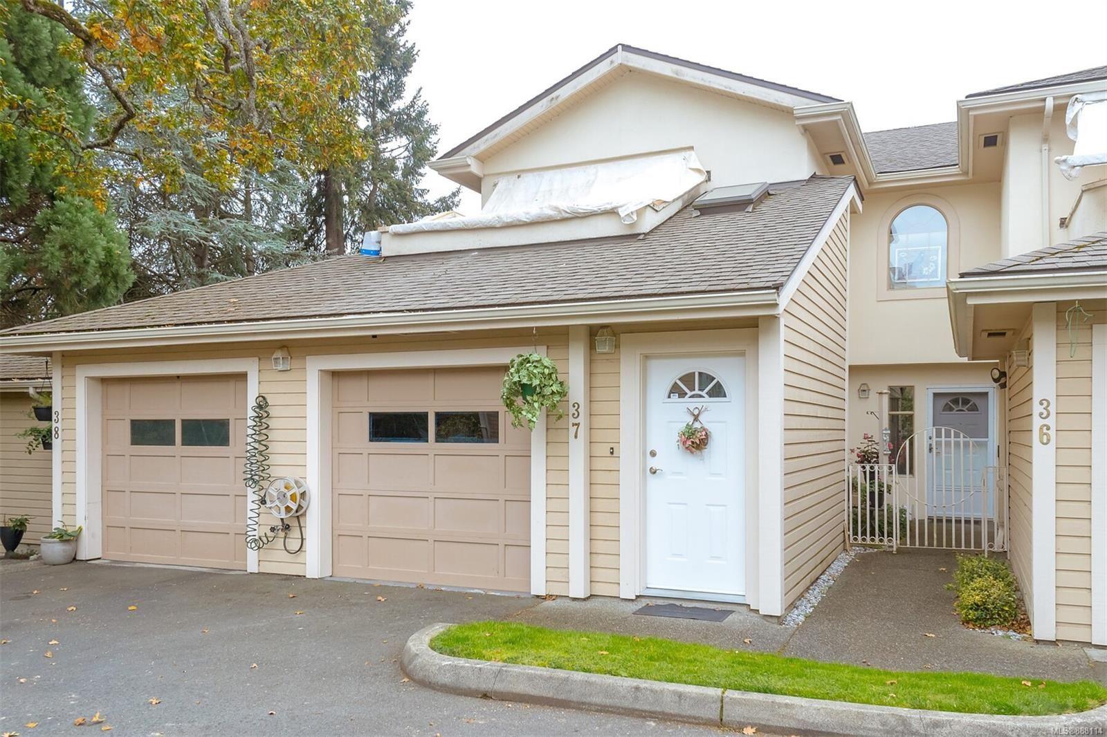 Main Photo: 37 850 Parklands Dr in : Es Gorge Vale Row/Townhouse for sale (Esquimalt)  : MLS®# 888114