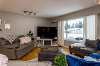 Photo 3: 7865 QUEENS Crescent in Prince George: Lower College House for sale (PG City South (Zone 74))  : MLS®# R2518715