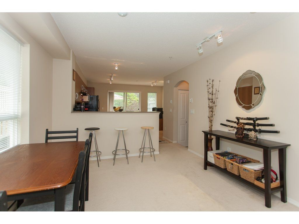 Photo 5: Photos: 48 6747 203 Street in Langley: Willoughby Heights Townhouse for sale : MLS®# R2202915