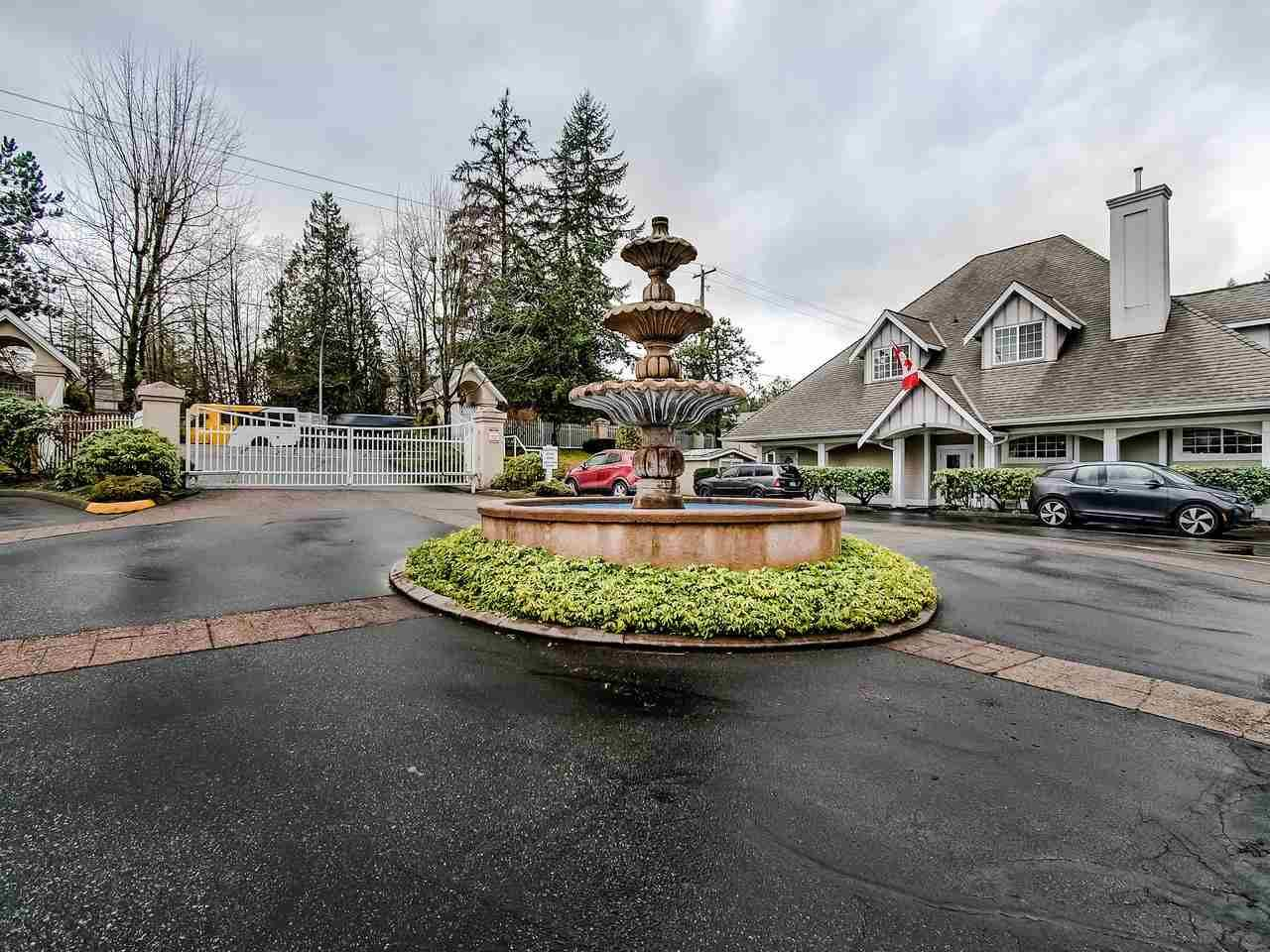 "Main Photo: 324 20655 88 Avenue in Langley: Walnut Grove Townhouse for sale in ""Twin Lakes"" : MLS®# R2439648"