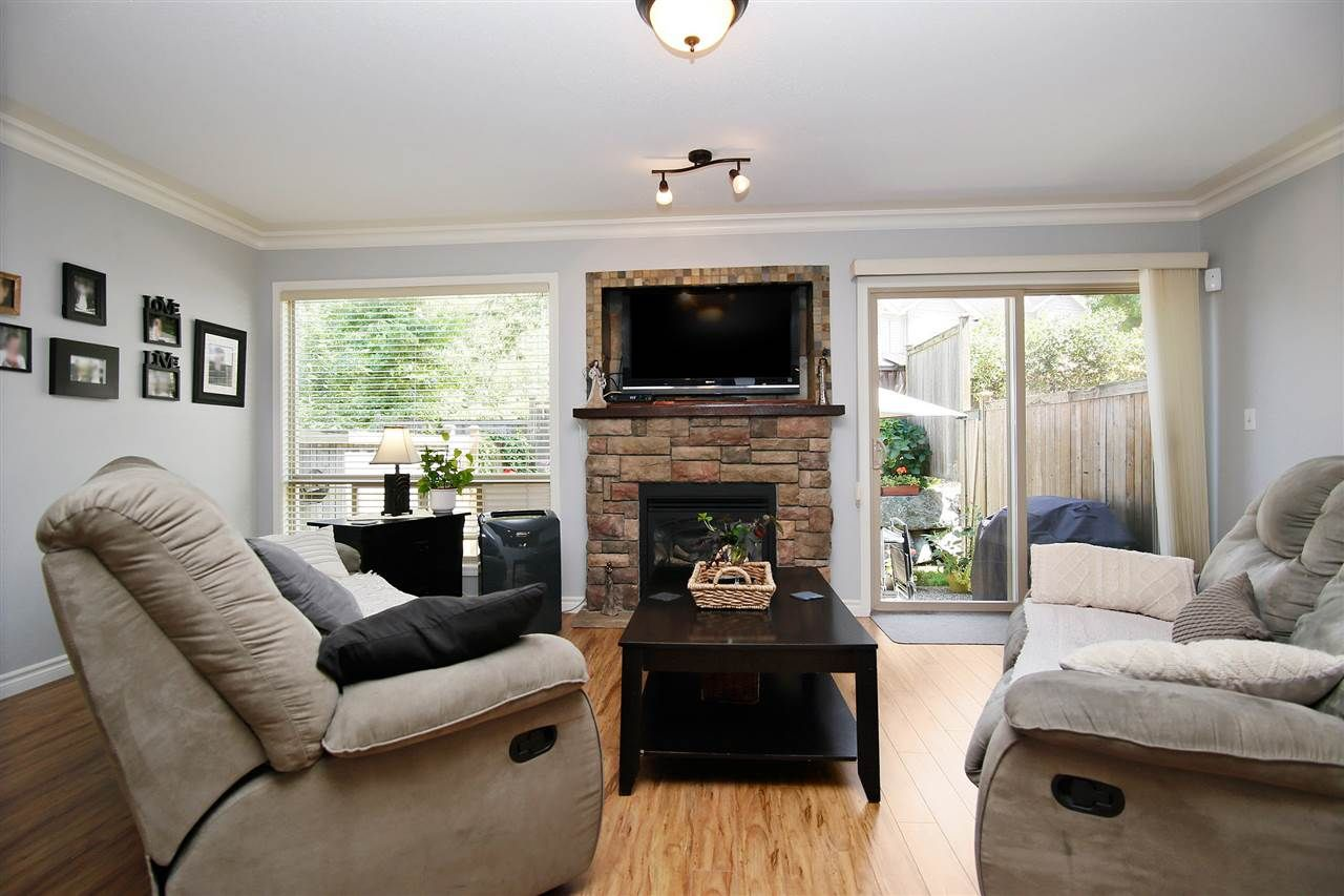"""Photo 2: Photos: 2 46840 RUSSELL Road in Sardis: Promontory Townhouse for sale in """"TIMBER RIDGE"""" : MLS®# R2197387"""