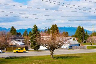 Photo 3: 7062 HALLIGAN Street in Burnaby: Highgate House for sale (Burnaby South)  : MLS®# R2249715
