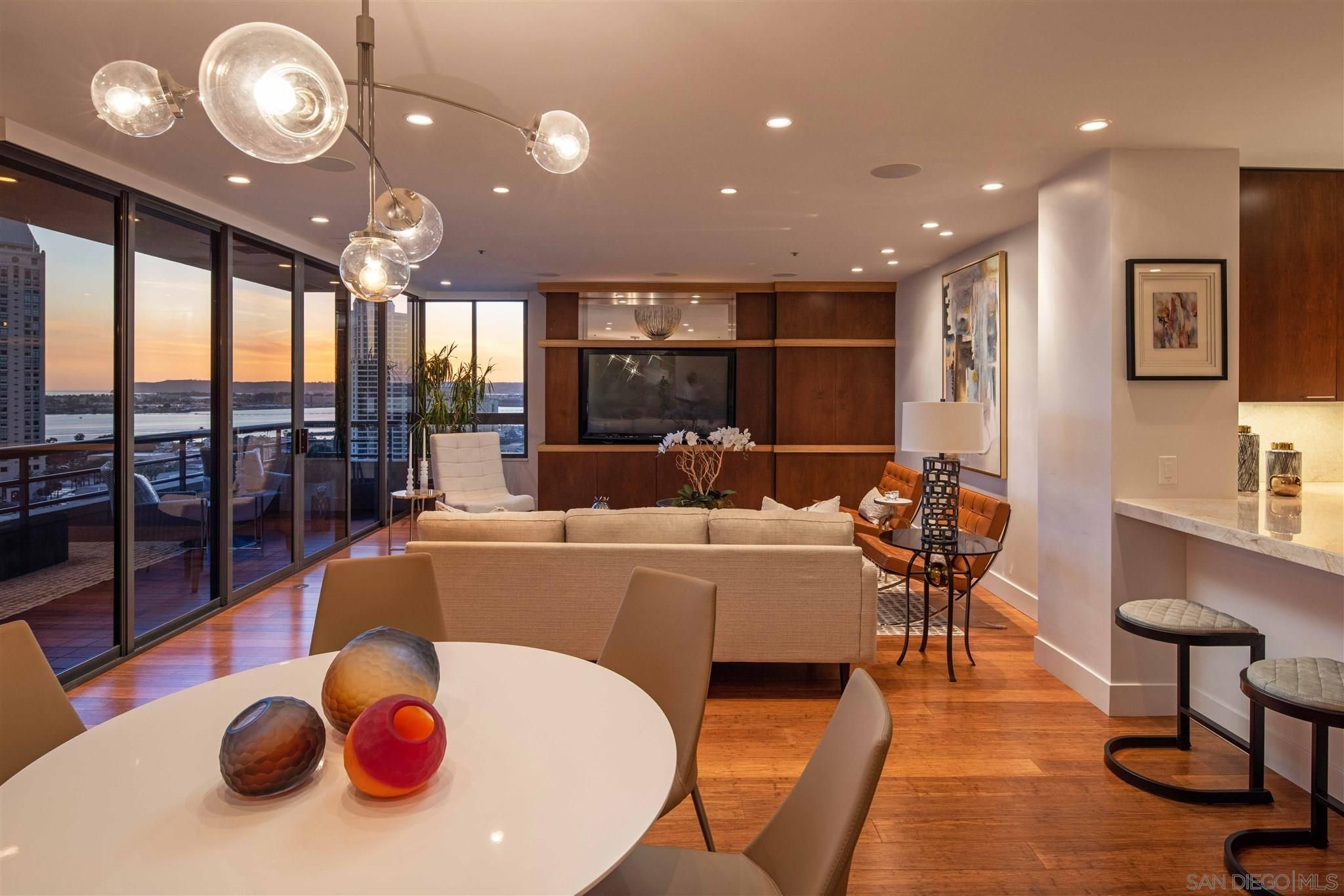 Main Photo: SAN DIEGO Condo for sale : 2 bedrooms : 700 Front Street #1203