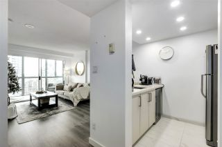 "Photo 2: 1606 1188 HOWE Street in Vancouver: Downtown VW Condo for sale in ""1188 HOWE"" (Vancouver West)  : MLS®# R2553877"